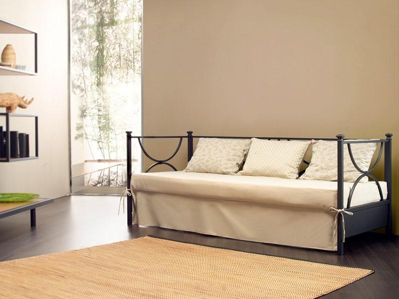 Duetto Sofa, Sofá metálico lineal, espalda con cojines tapizados