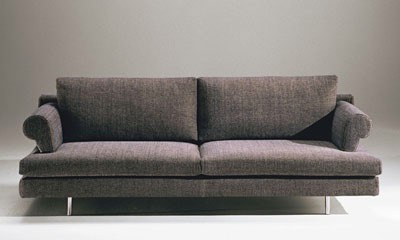 Brera, Sofá tapizado en poliuretano, marco de madera