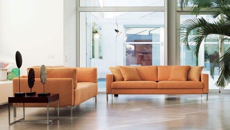 Ginger, Sofá lineal con pies visibles, para la oficina moderna
