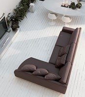 Incontro corner, Sofá en poliuretano, cubierto con dacrón, de hotel