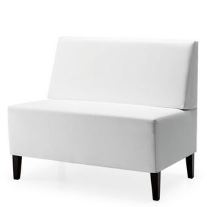 Linear 02452, Baja Banco modular, patas de madera, asiento y respaldo tapizados, cubierta de tela, estilo moderno