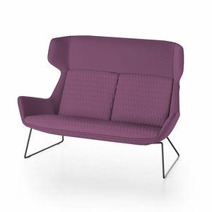 Magenta sofa, Sofá con respaldo alto