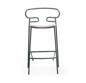 ART. 0049-MET STOOL GENOA, Taburete de metal con asiento de madera.