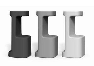 art. Serif-860, Taburetes de plástico al aire libre