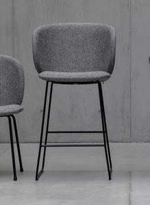 Dua stool, Taburete con base de trineo de metal