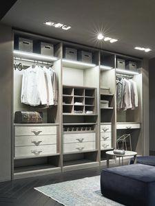 ATLANTE vestidor comp.11, Walk-in closet en madera de ceniza con detalles en nabuk