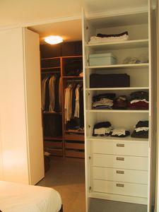 Cabina de vestuario para dormitorio y pasillo, Armario a medida para el pasillo y dormitorio
