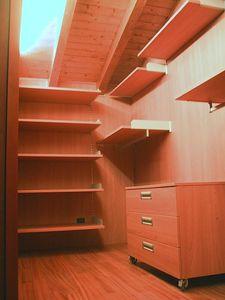 Cabina de vestuario para el ático 01, Vestidor completamente personalizable