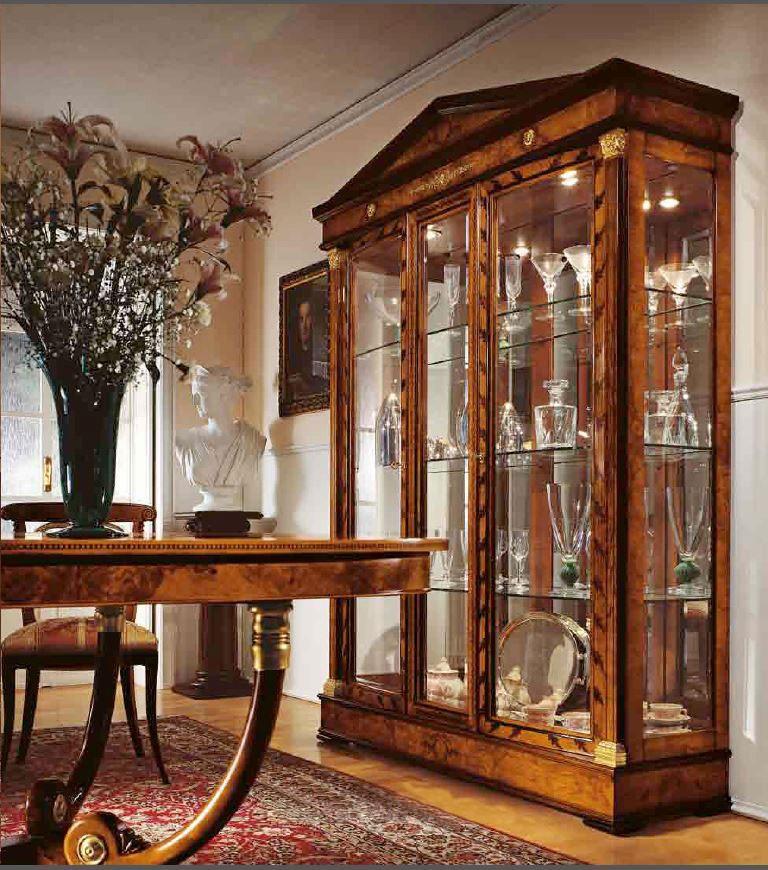 Vitrina para los comedores y salas de estar, de estilo clásico ...