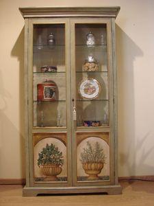 Art. 572, 2 puertas Vitrina, decoraciones en relieve, para el comedor