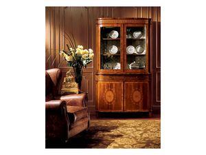 Hepplewhite cabinet 747, Vitrina de estilo clásico con cajones y puertas de cristal
