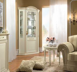 Siena vitrina de esquina, Vitrina de esquina con un diseño clásico