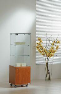 Laminato Light 4/14M, Vitrina, con mueble inferior de madera.