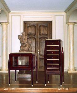 Ruhlmann Art Déco Art. 1526, Vitrina baja en estilo Art Deco.